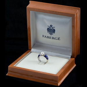 Fabergé, 18k White Gold Ring and Earrings