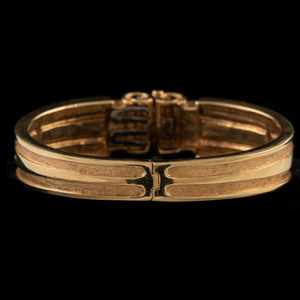 18k Gold Hinged Bracelet