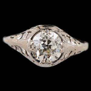 18k White Gold Art Deco Diamond Ring