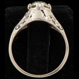 18k White Gold Art Deco Diamond Ring