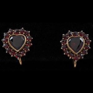 Collection of Garnet Jewelry, Lot of Three