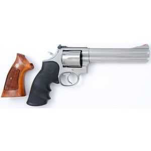 ** Smith and Wesson Model 686 Revolver