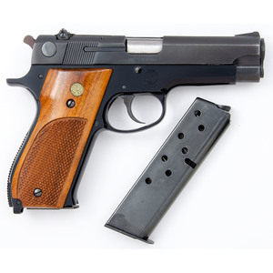 * Smith & Wesson Model 39-2 Pistol