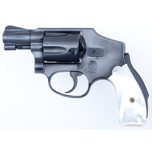 ** Smith & Wesson .38 Chiefs Special Hammerless