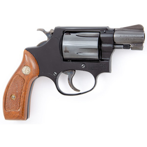 * Smith & Wesson Model 37 Chief's Special Airweight Revolver