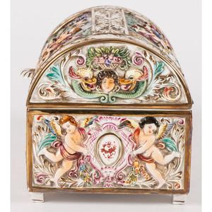 A Capodimonte-style Porcelain Casket