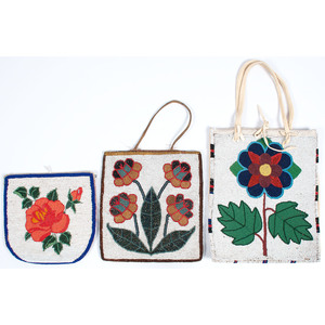 Plateau Beaded Floral Flat Bags