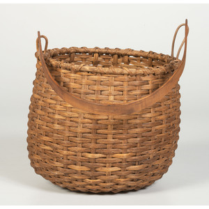 A Split Feed Basket with Bell