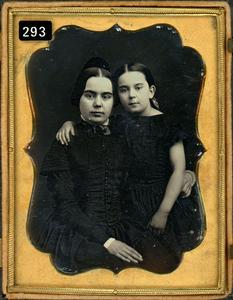 MOTHER & DAUGHTER EMBRACE DAGUERREOTYPE