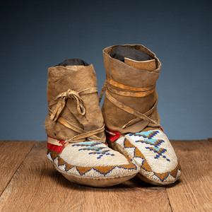Northern Plains Buffalo Soft-Soled Moccasins