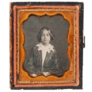 [DAGUERREOTYPE - PORTRAITURE]. LION, Jules, photographer (attributed). Ninth plate daguerreotype of young African American woman. [New Orleans, ca late 1840s].