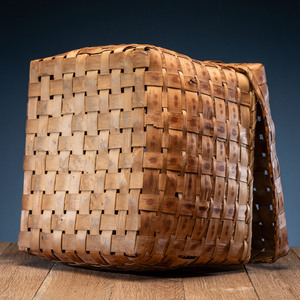 Northeastern Ash Splint Lidded Basket