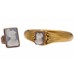 Cameo Ring in 10 Karat Yellow Gold PLUS