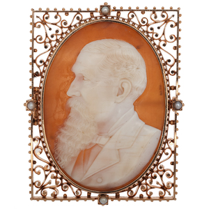 Cameo Brooch with Elaborate Frame in 14 Karat Pink Gold