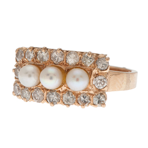 Pearl and Diamond Ring in 14 Karat Yellow Gold