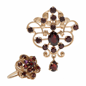 Garnet Brooch and Ring in 14 Karat Yellow Gold