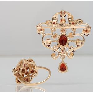 Garnet Brooch and Ring in 14 Karat Yellow Gold