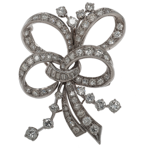 Ribbon Brooch in Platinum with Diamonds