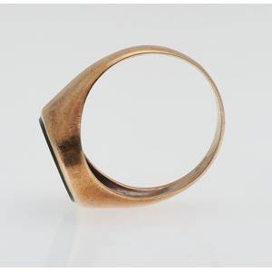 Bloodstone Ring in 14 Karat yellow Gold