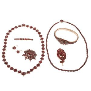 Bohemian Garnet Jewelry in Silver